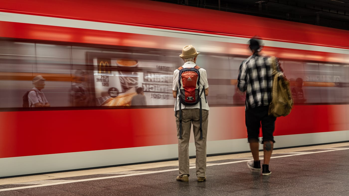 Waiting for the next train | ©  Karl-Heinz Ziolkowski