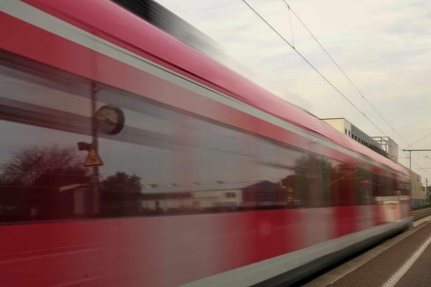 Roter Flitzer | ©  Monika Stoffer