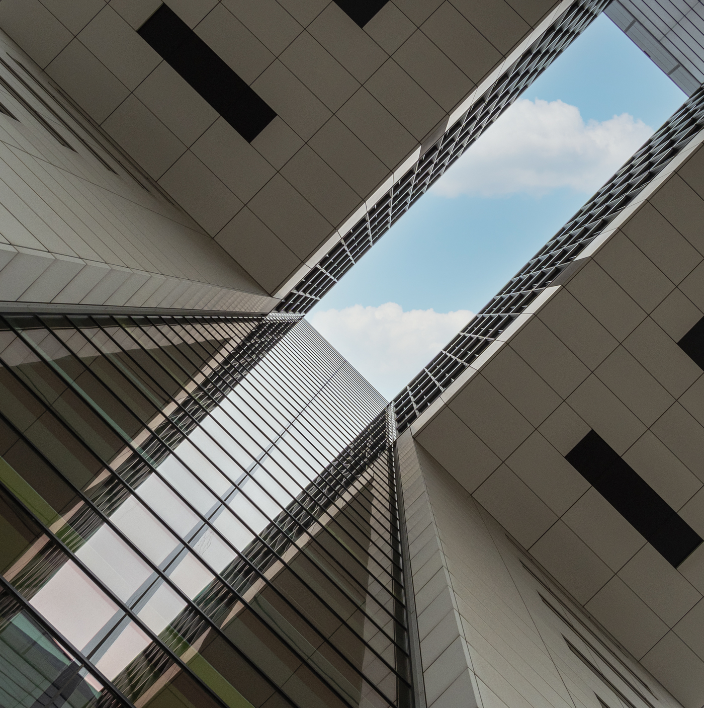 Kranhaus von Unten in der Mitte | © Michael Rettberg