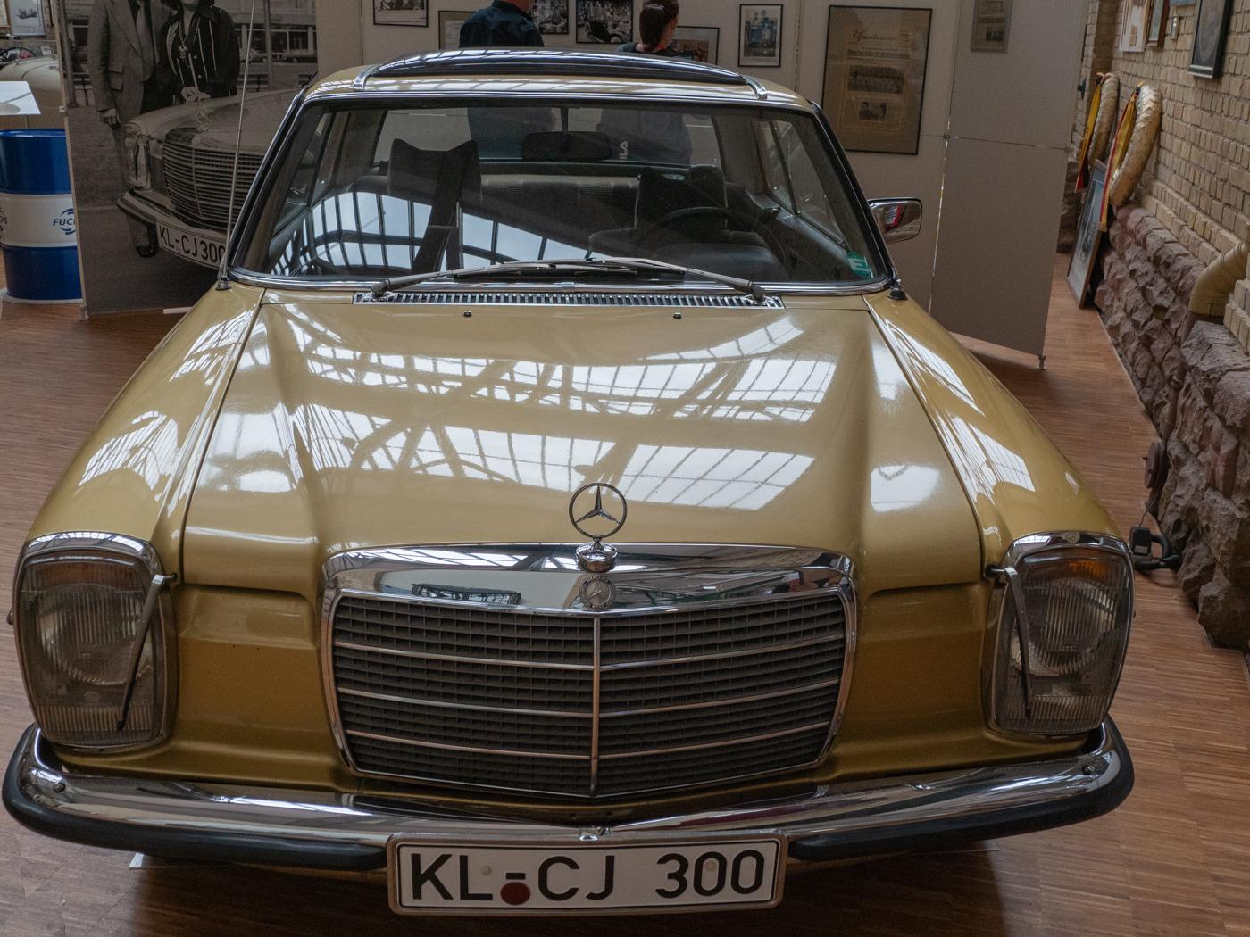 Mercedes 300   © Karl-Heinz Ziolkowski