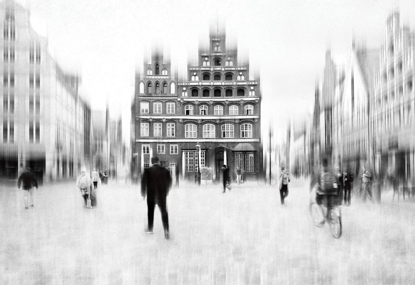 Annahme: Town hall square | © Irmgard Crispin