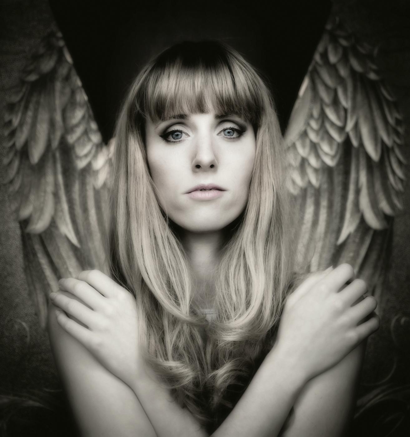 like an angel   | © Irmgard Crispin