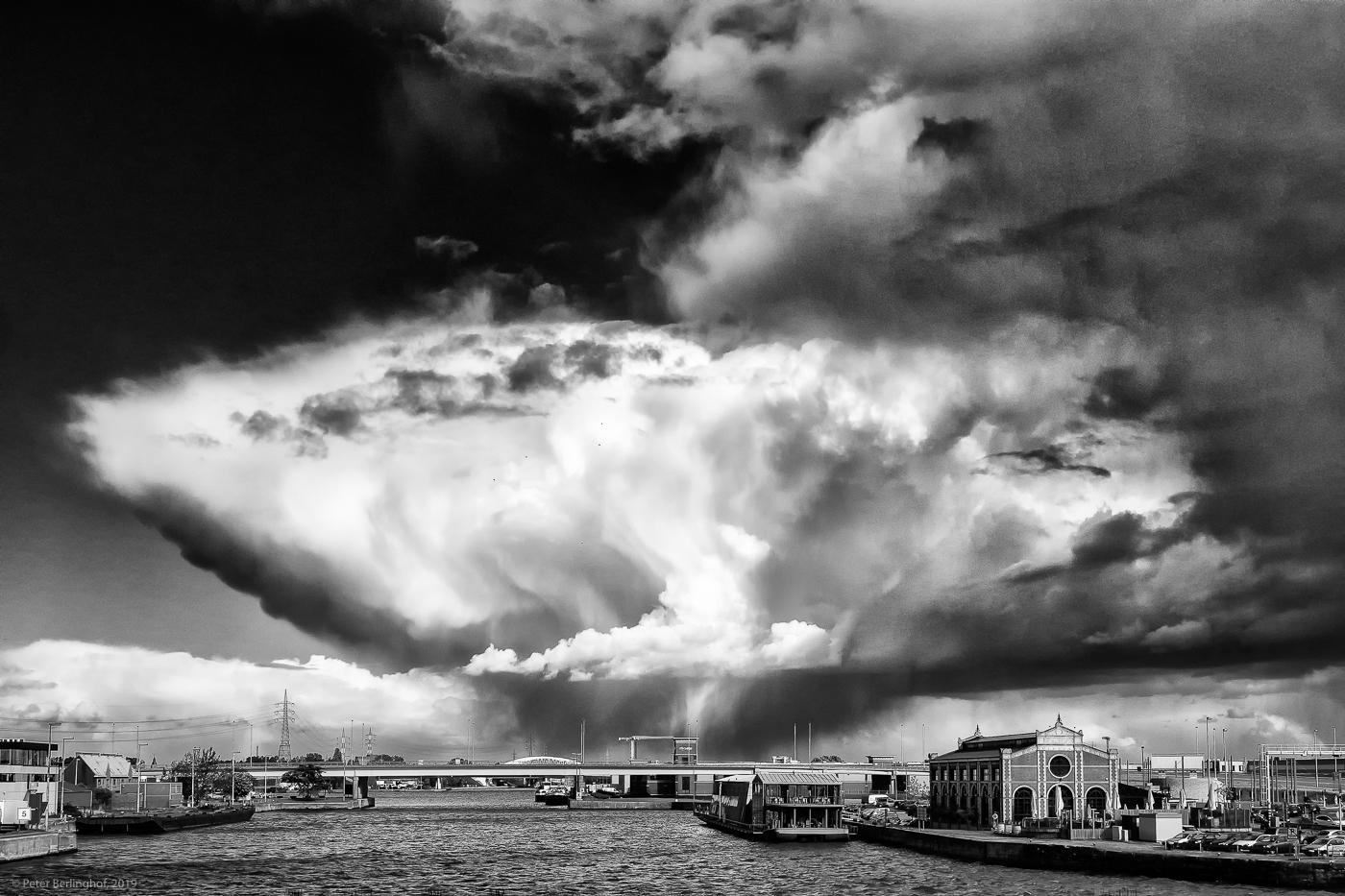 Sieger Sonderthema Wetter: Gewitterwolke | © Peter Berlinghof, Niederkassel